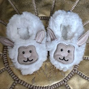 Fuzzy Lamb baby shoes